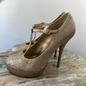 Steve Madden Gaylee Heels size 9.5 Gold Glitter